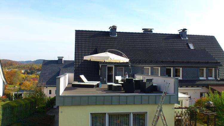 Zweifamilienhaus Olpe - Dachterrasse « Architektur « Projekte « TATORT architektur